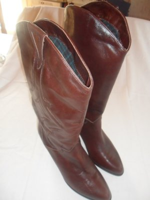 Buskins russet leather