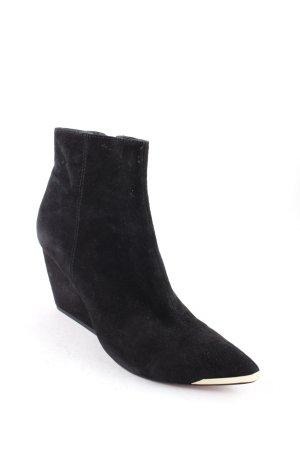 Rachel Zoe Keil-Stiefeletten schwarz-goldfarben Street-Fashion-Look