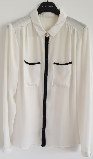 Raffinierte Bluse von WE Fashion, Gr. S,  schwarze Kontrastnähte und goldene Knöpfe
