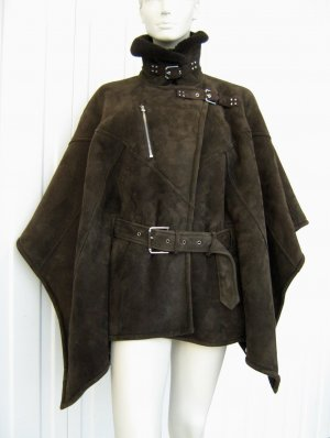 RALPH LAUREN COLLECTION / PONCHO / LAMMFELL / DUNKELBRAUN / GR. S
