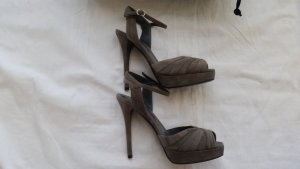 Ralph Lauren Collection, Pumps, Veloursleder, grau, Gr. 38, € 650,-