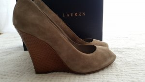 Ralph Lauren Collection, Pumps, Veloursleder, grau, Gr. 39,5, € 900,-