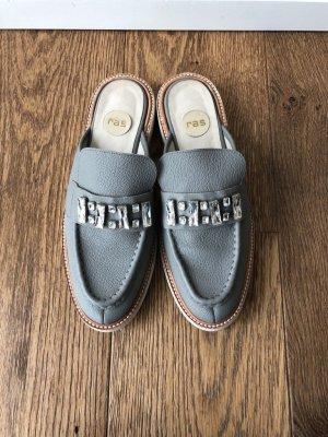Mules grey