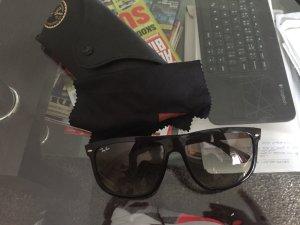 Ray-Ban 4147, black Sonnenbrillen
