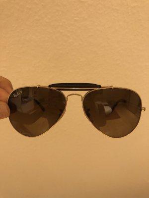 Ray Ban Pilotenbrille mit Leder Detail
