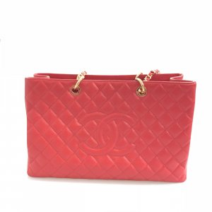 Red Chanel Shoulder Bag