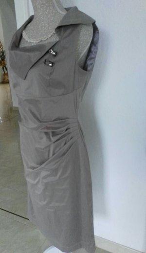 Reduziert: Neuwertiges Vera Mont Kleid in 40