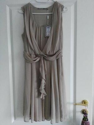 Reduziert: Süßes, neues Kleid in 38