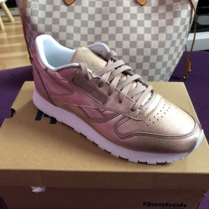 Reebok Classic CL Lether Melted Metal Gr. 37,5
