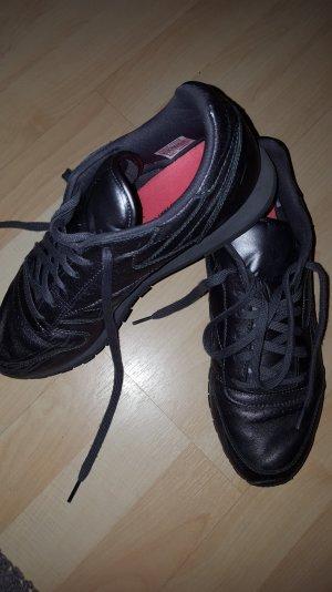 Reebok Schuhe lila glänzend
