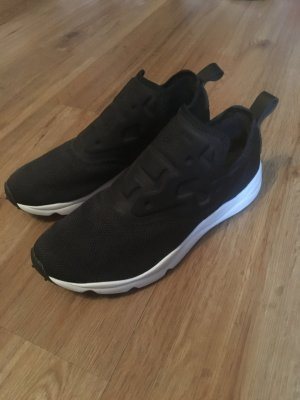 Reebok Slip-on Sneaker