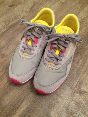 Reebok Sneaker neuwertig