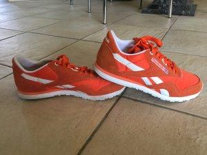 Reebok sneaker orange
