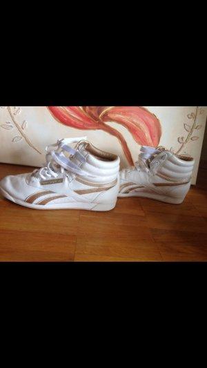 Reebok Sneaker weiß kaum getragen