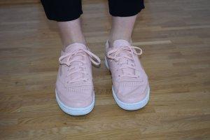 Reebok Sneakers Club C 85 LST aus Glattleder in pastel peach