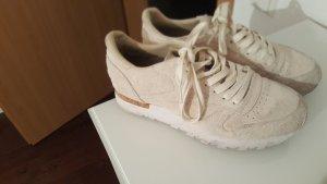Reebok Sneakers in Wildlederoptik