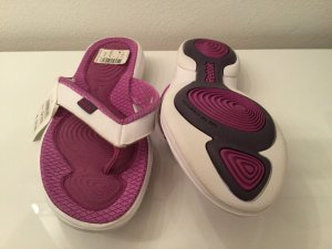Reebok High-Heeled Toe-Post Sandals multicolored