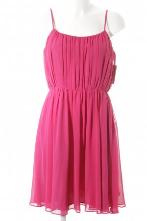 Reiss Chiffonkleid magenta Party-Look