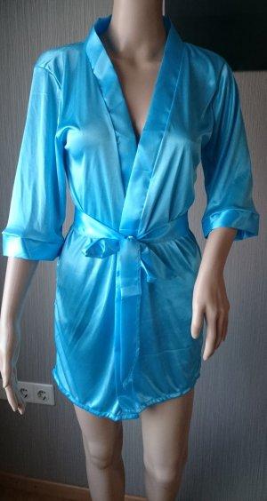 reizvolle Wäsche-Satin-Spitze Mantel. Hell Blau