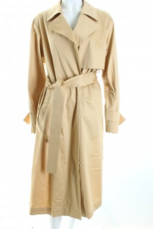 René Lezard Trench Coat cream casual look