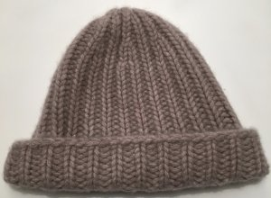 Repeat Cashmere Knitted Hat dusky pink cashmere