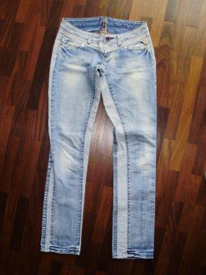 Replay Jeans, Gr. 28/34, verwaschene Optik