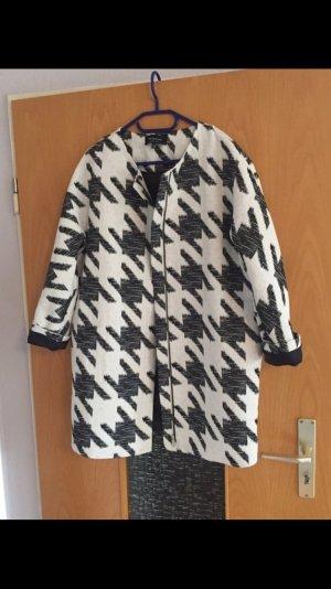 Reserved Jacke  schwarz weiß Muster gr. 40 Blogger