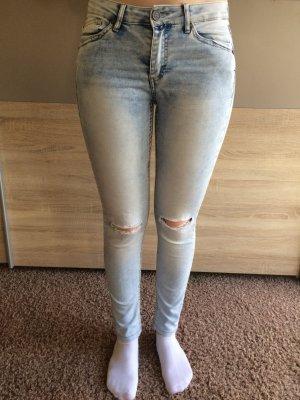 Reserved Jeans destroyed
