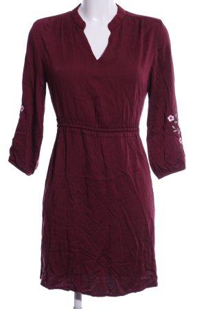 Reserved Vestido tipo túnica rojo estampado floral estilo «business»