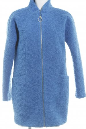 Reserved Wollmantel neonblau Street-Fashion-Look