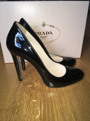 Reserviert- Prada Women's Black Patent Leather Round Toe Pumps