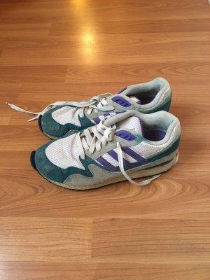 Retro Adidas Sneaker