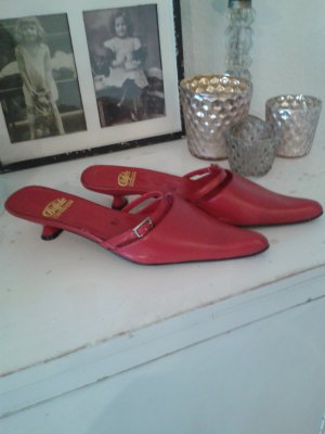 Buffalo Heel Pantolettes red