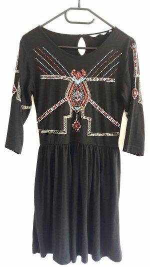retro, ethno Kleid mit Muster