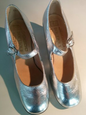 Retro Mary-Janes in Silber