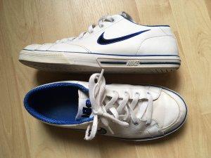 Retro Nike Sneakers Weiß