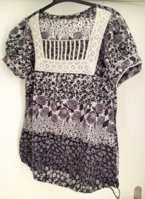 Retro Shirt mit Spitze und grössenverstellbar an den Hüften