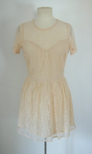 Retro Spitzenkleid aus England, beiges Kleid mit Spitze, Barock preppy blogger
