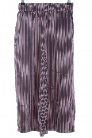 Review 3/4 Length Trousers striped pattern casual look