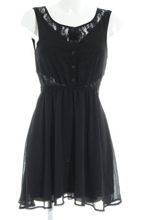 Review A-Linien Kleid schwarz Street-Fashion-Look