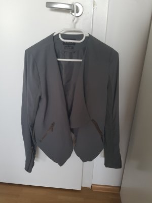 Review Blazer in Top Zustand