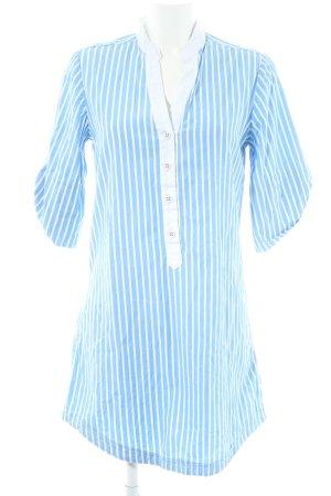 Review Blusenkleid weiß-himmelblau Streifenmuster klassischer Stil