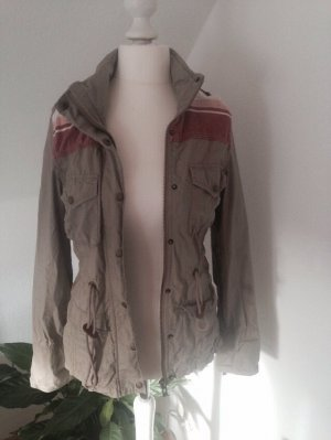 Review Veste beige