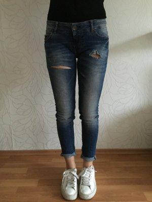 REVIEW hochwertige Jeans