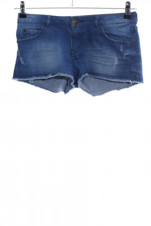 Review Hot Pants blue casual look
