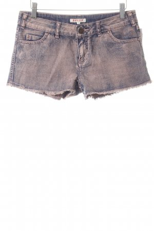 Review Hot Pants rostrot-dunkelblau Farbverlauf Street-Fashion-Look