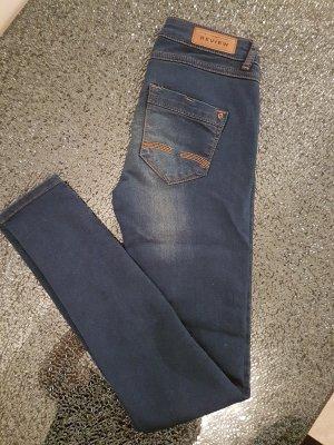 Review Jeans Hose NEU