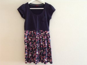 REVIEW Kleid Blumen Sommer