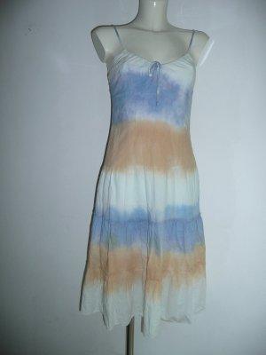 Review Kleid mit Stufen im Batik Design Gr 36