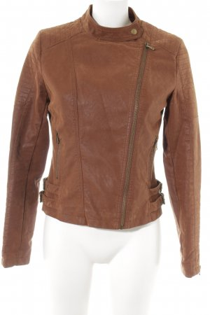 Review Veste en cuir brun Look de motard
